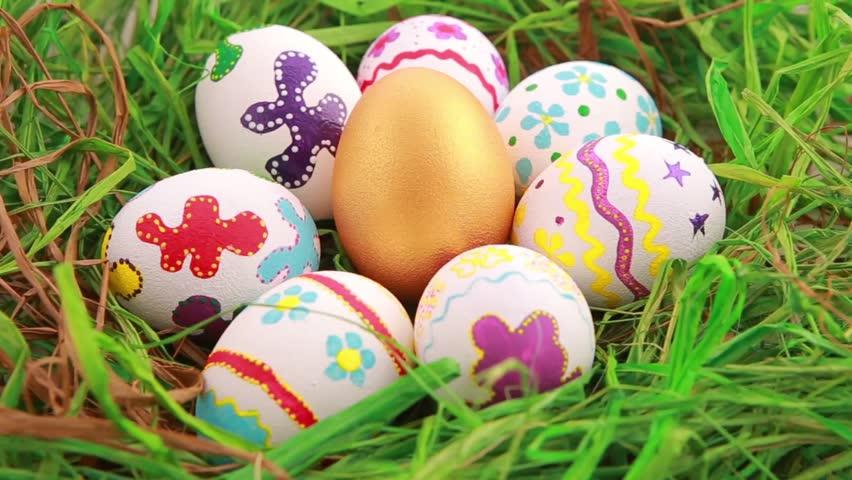Малюнки фарбами на яйцях