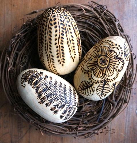 Випалювання на дерев'яних яйцях